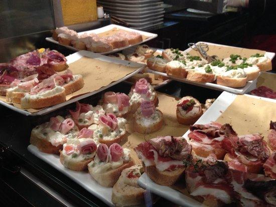 Osteria del Bugiardo : Crostinis to choose from
