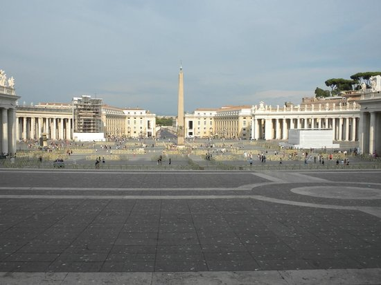Vatican Guided Tours: piazza san pietro
