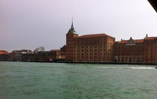 Hilton Molino Stucky Venice Hotel: Beautiful building in Giudecca