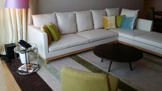 Lanson Place Bukit Ceylon Serviced Residences: Living room