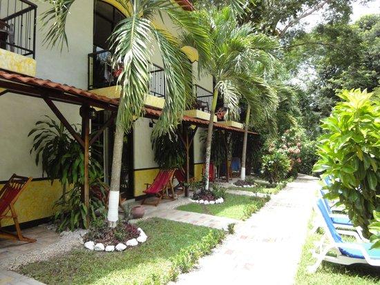 Hotel Belvedere - Playa Samara: Building