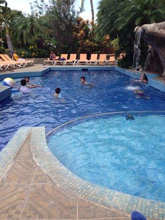 Hotel ManGaby: Excelente piscina