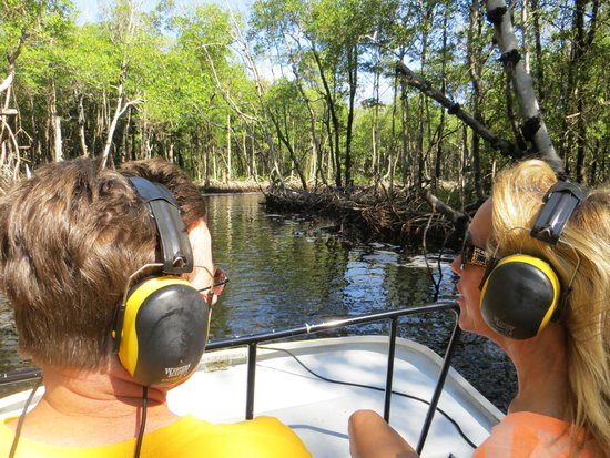 Speedy's Airboat Tours: Be prepared for LOUD NOISES!