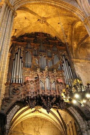 Église Sainte-Marie-de-la-Mer : Dettaglio Organo