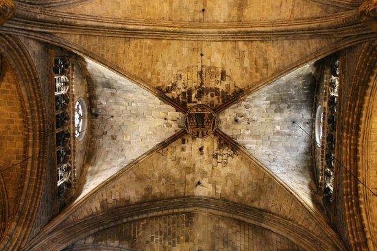 Église Sainte-Marie-de-la-Mer : Dettaglio volta