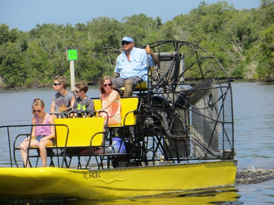 Speedy's Airboat Tours: Captain Fred is an experienced airboat captain.