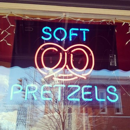 Jo Jo's Pretzels: Look for the sign!