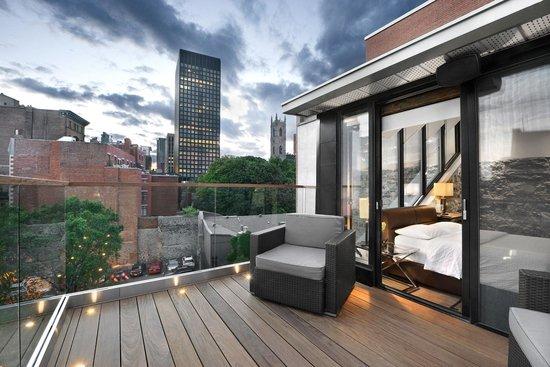 Epik Hotel Montreal: Épik Penthouse Second Balcony