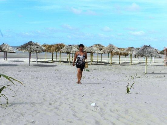 Praia do Pesqueiro : Imensidão de areia