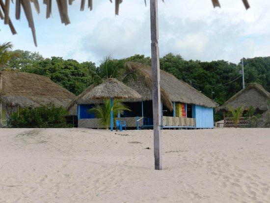 Praia do Pesqueiro : Restaurante