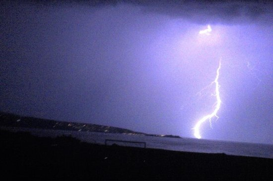 Beachside Holiday Park: Lightning