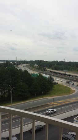 BEST WESTERN PLUS Atlanta Airport-East: interstate and roads outside hotel