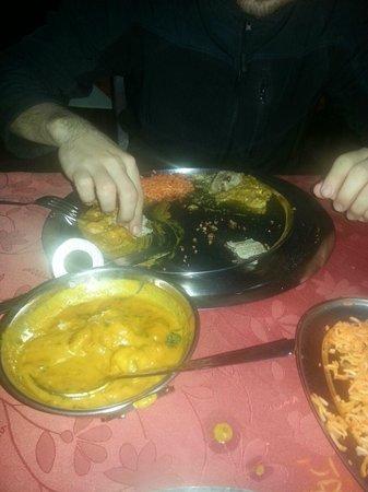 Jewel of India: Comida hindú, comiendo al estilo hindú