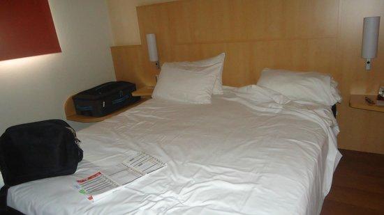 Ibis Milano Centro: Habitación