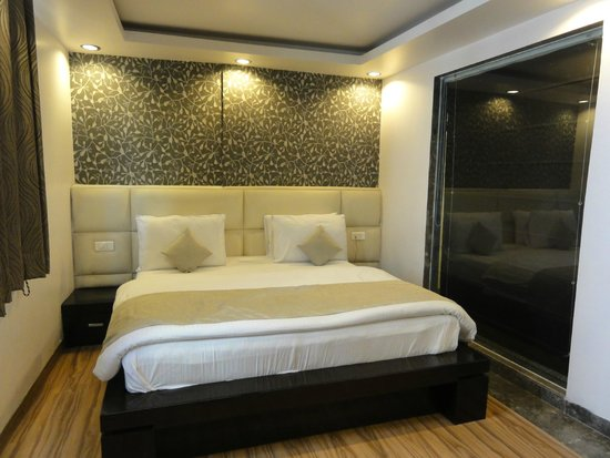 Hotel Elegance: habitación