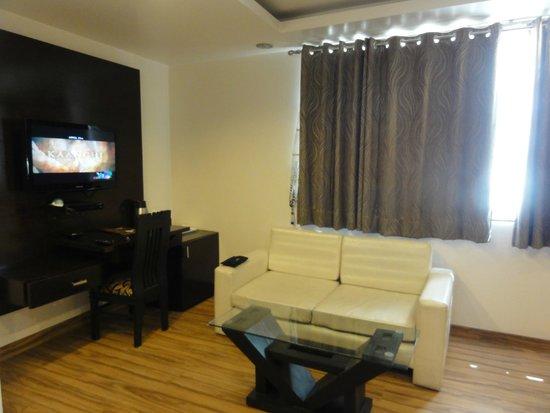 Hotel Elegance : habitación