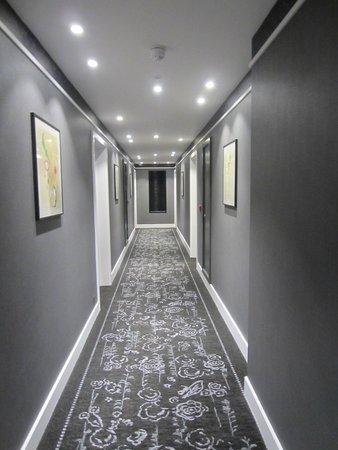 Morton Hotel: Hallway, showing boutique hotel feel