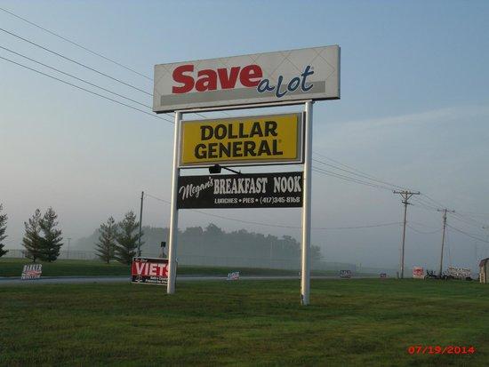 Buffalo, Missouri: Buffalo MO Breakfast Nook Sign