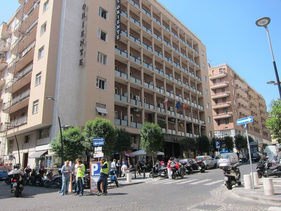 Grand Hotel Oriente : Hotel moderno em local agradável