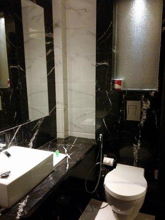 Hotel City Star: baño