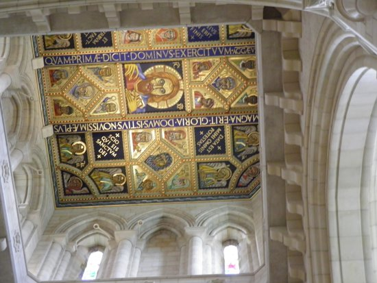 Buckfast Abbey : Nice ceiling.