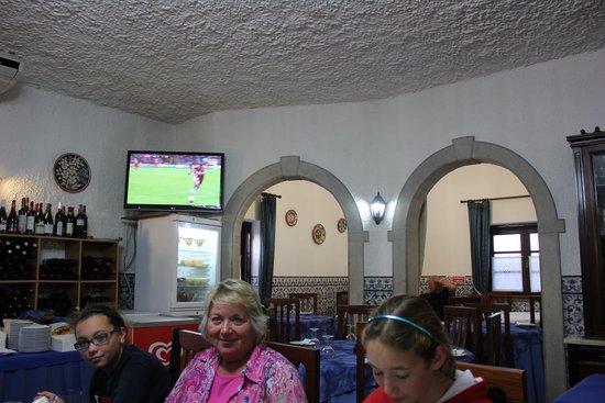 Vila Infanta: dining room