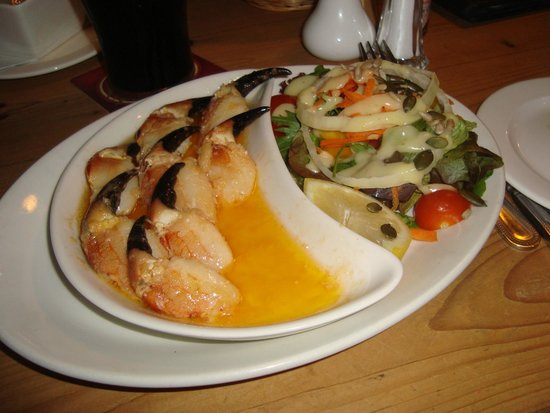 Morans Oyster Cottage: Crab claws