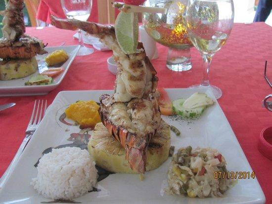 Varadero 60: Lobster dinner