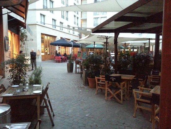Barrio Lastarria: Restaurant Area