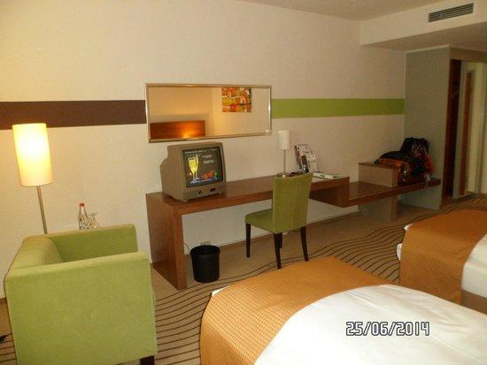 Holiday Inn Berlin City East: habitacion