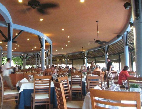 Catalonia Riviera Maya : open air buffet