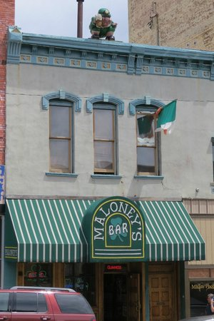 Maloney's Bar : Can't miss this place, Only Lepruchaun on the roof for miles