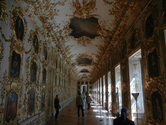 Munich Residence : Gilt-festooned portrait gallery