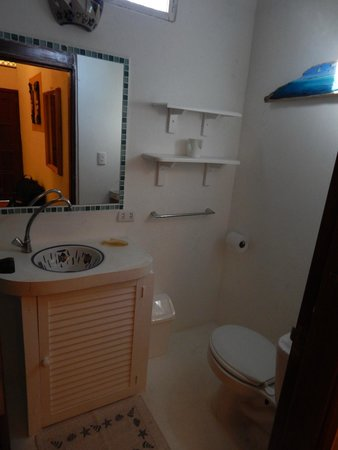 Posada Movida: Banheiro