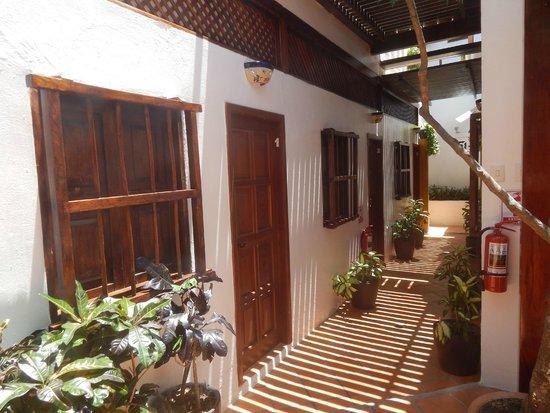 Posada Movida: Portas dos quartos