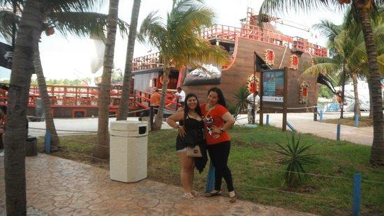 Barco Pirata Jolly Roger Cancún: Antes de subir