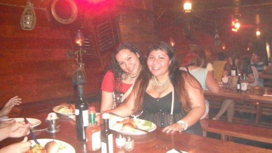 Barco Pirata Jolly Roger Cancún: La cena