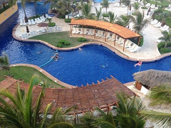 Fiesta Americana Condesa Cancun All Inclusive : our view of the pool