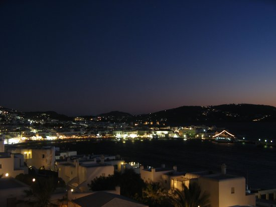 Porto Mykonos Hotel: View of town from hotel - night