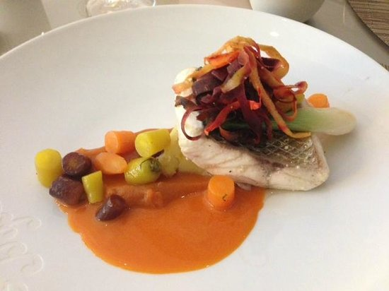 Le Jardin des Plumes : Scrumptious sea bass with carrot coriander sauce
