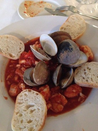 Ira's at the Gibson Inn: Cioppino so delicious & fresh