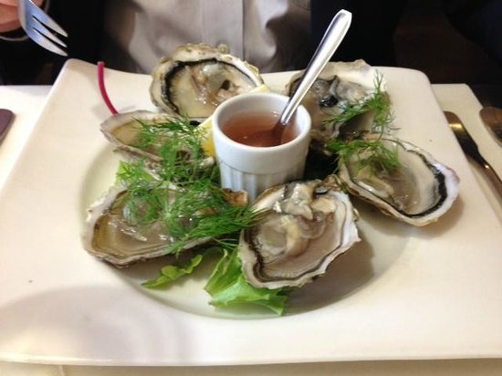 Le Pommier Restaurant: Oysters