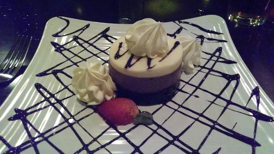 DoubleTree by Hilton Hotel Philadelphia - Valley Forge: Chocolate Mousse Cake