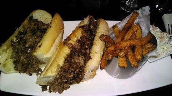 DoubleTree by Hilton Hotel Philadelphia - Valley Forge : Philly Cheese Steak