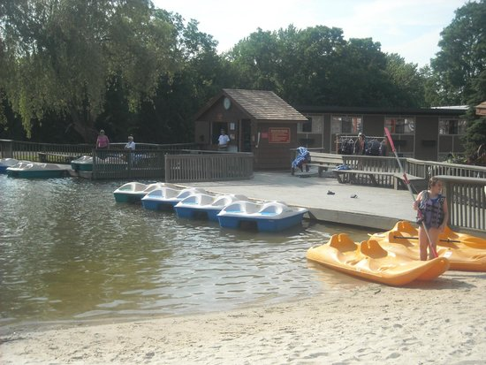 Rocking Horse Ranch Resort: Paddle Boats and Canoes
