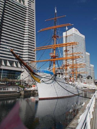 Yokohama Sakuragicho Washington Hotel : The Nippon Maru, now a tourist attraction