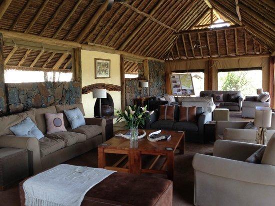 Naboisho Camp, Asilia Africa: Lounge Area