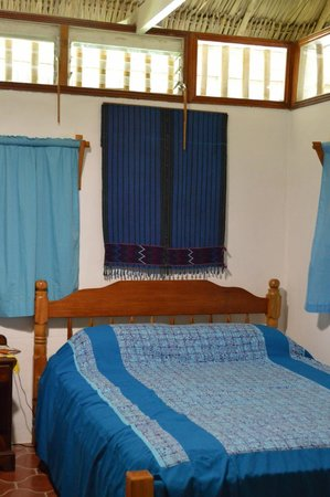 Maya Mountain Lodge: Double bed for 2?
