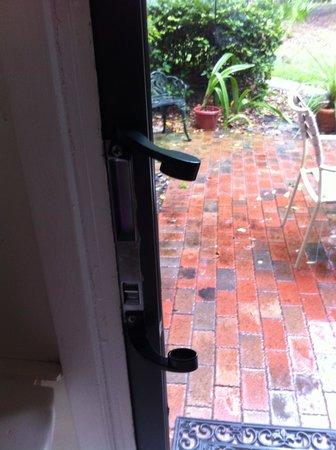 Villas of Amelia Island Plantation : Door handle missing