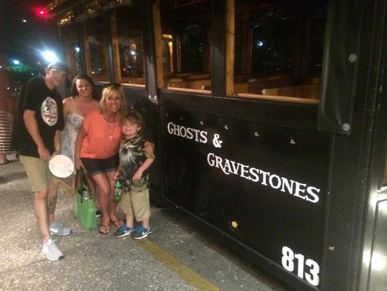 Ghosts and Gravestones of Savannah: What an awesome tour!